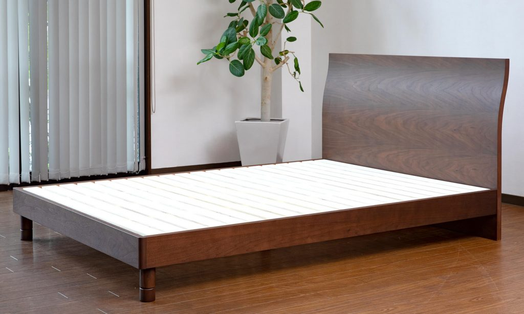 ベッドフレームの一般的な寿命は10年程度が目安