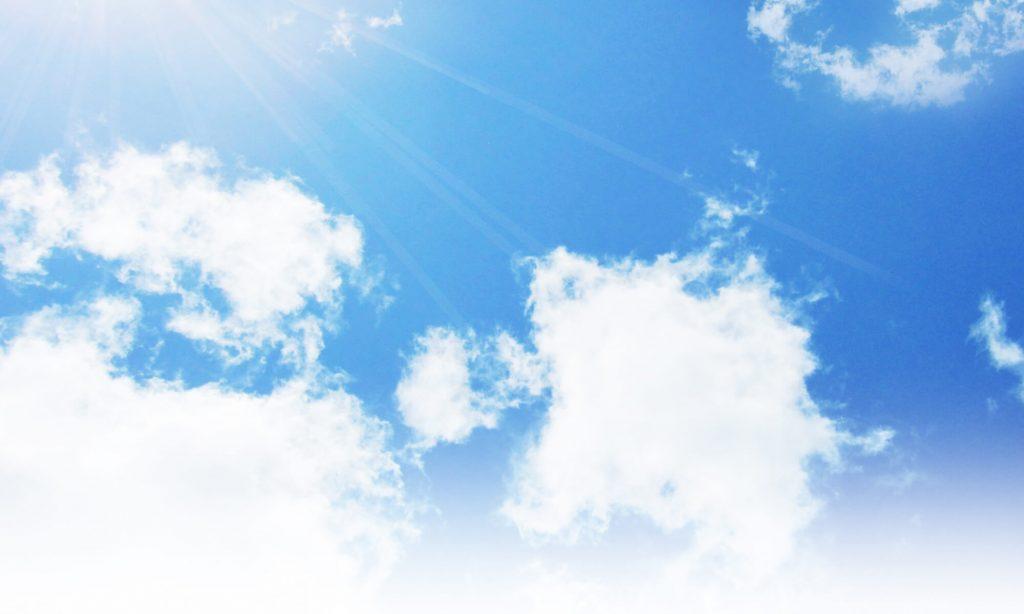 洗った枕を早く乾かしたい場合、時々ひっくり返したり、上下を入れ替えたりして、全体をまんべんなく陽に当てるようにしましょう