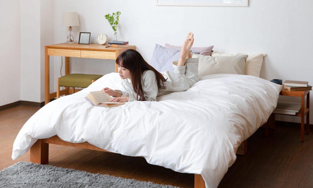 小さなベッドではなく大きなベッドで広々と寝たい人にはファミリーベッドがおすすめ