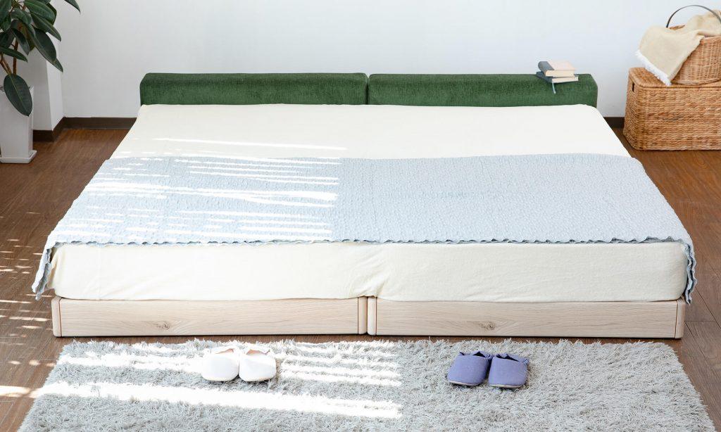 2台以上を並べたりつなげたりして使うファミリーベッドは1台で使うより広く使えて複数人で寝ることが可能