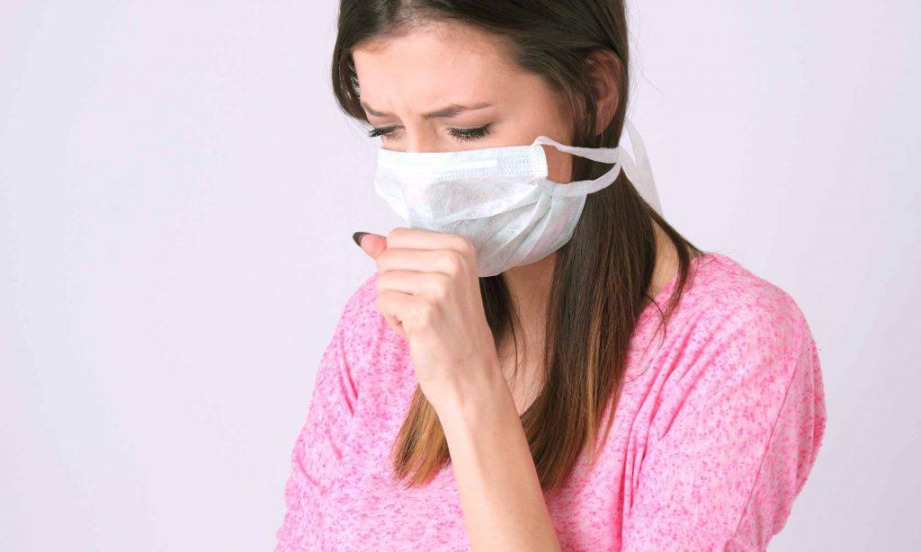埃やダニの糞・死骸などのハウスダストを吸い込みやすく、アレルギーの原因となる可能性が高まります