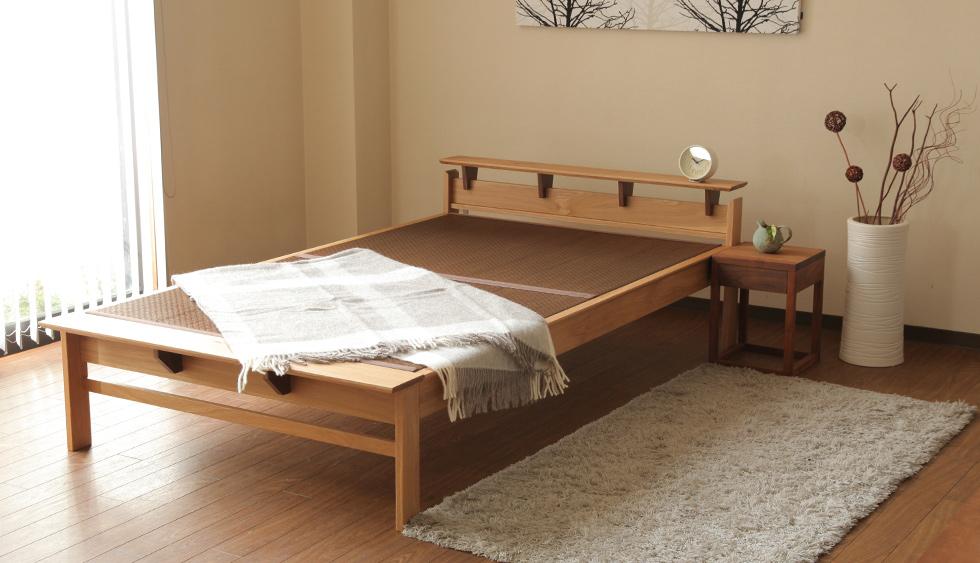 洋室に畳ベッドを置くことで和モダンな雰囲気に。