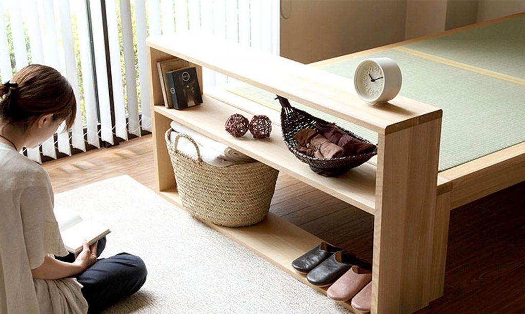 当店の畳ベッド「やまぶき ―山吹-」専用のフリーシェルフは、ちょっとした収納スペースが欲しい方にもおすすめ