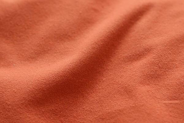 ウールやコットンが原料のフランネル素材。