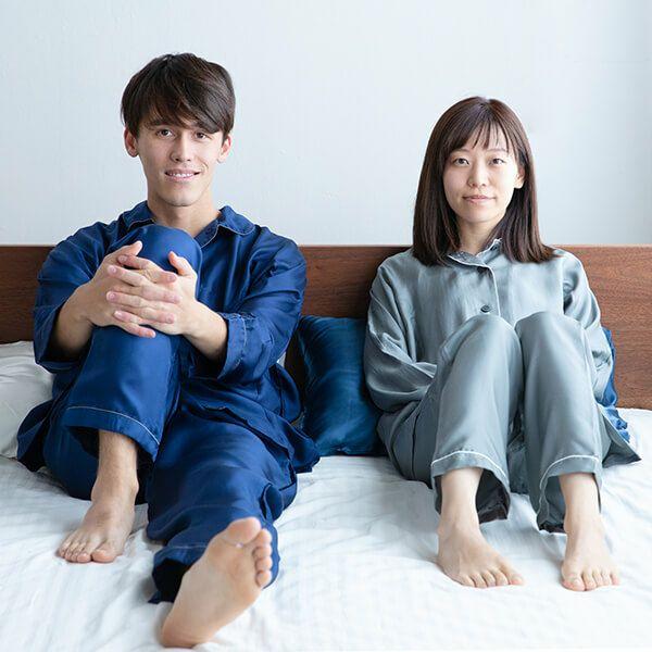 シルク100%のキネルシルクツイルパジャマは肌触りがよく吸湿性などにも優れています