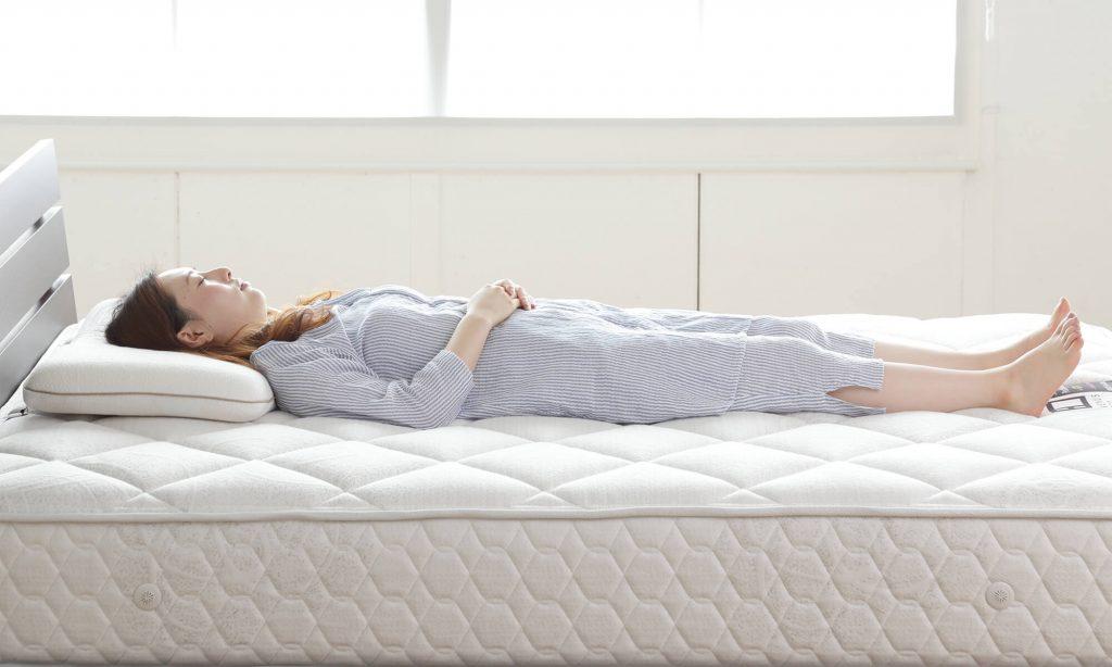 マットレス選びのポイントは体圧分散、寝姿勢、通気性。