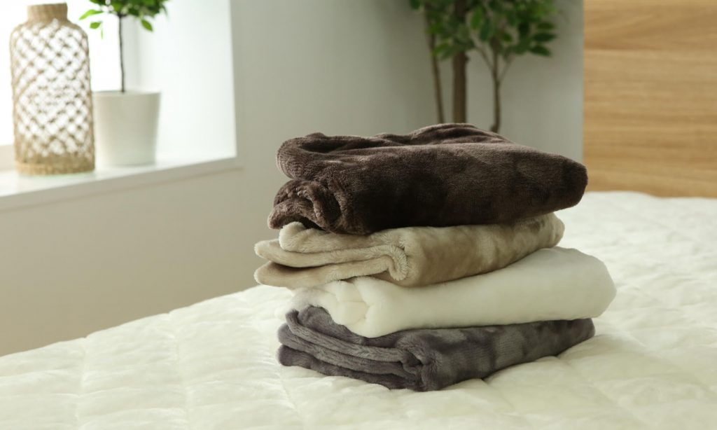 子供用の着る毛布を選ぶポイントについて解説します。