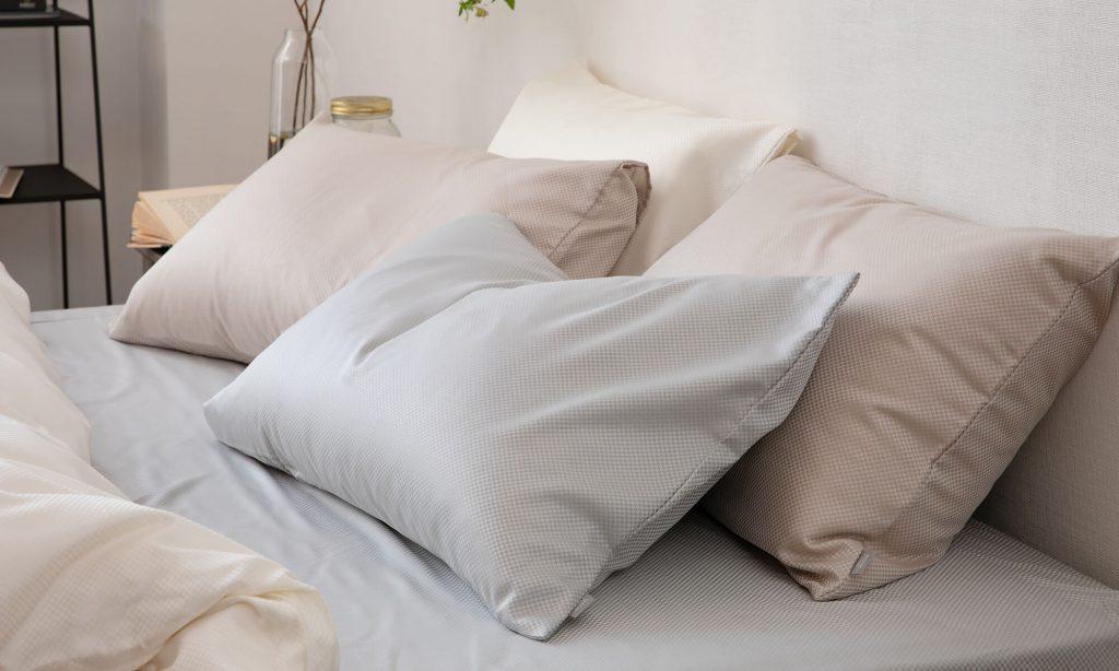 枕を使用する際は枕カバーや枕パッドをうまく活用しましょう