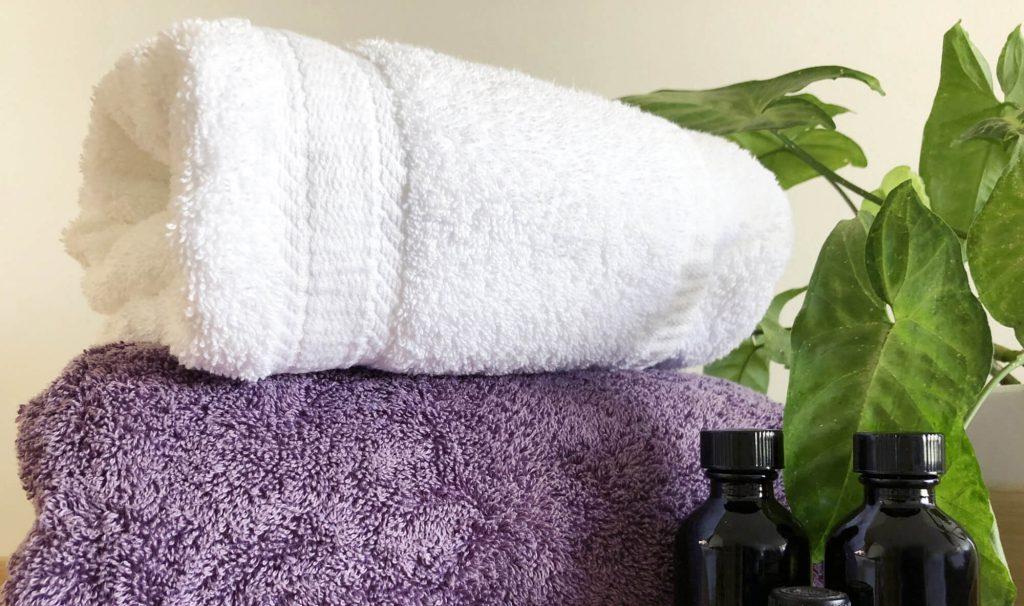 タオル枕なら家にあるバスタオルで簡単に作れるため、コストがおさえられる